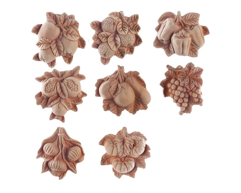 fiugurei in terracotta frtutta e verdura corino bruna decorativi giaridno arredo decorazioni