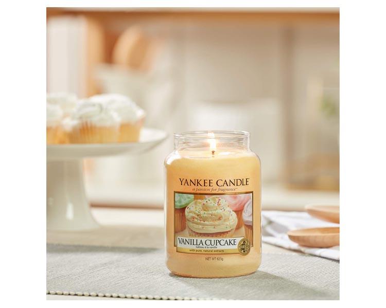 vanilla cupcake large AMBIENT 1 1